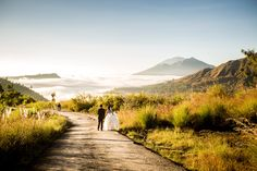 Sunrise Bali prewedding at Kintamani by Bali Pixtura
