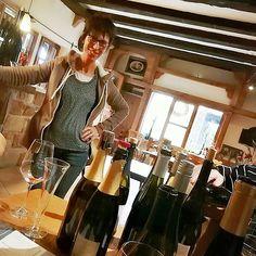 Wunderschönes #Tasting beim #aloisiushof gehabt  So herzlich wird man selten empfangen und bewirtet  Ach ich freu mich jedes Jahr auf den Besuch hier  #sanktmartin #ZumWohldiePfalz #prost @sankt.martin #wein #weingut #weinprobe #pfalz #wine #winetasting #winelover #winetime #bestwineever #realfood #awesome #instagood #ffmblogger #igersfrankfurt #buzzfeedfood #blogger_de #igersgermany#aloisiushof