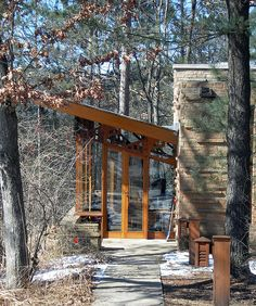 Seth Peterson Cottage. 1958. On Mirror Lake in Lake Delton,Wisconsin. Frank Lloyd Wright Usonian.