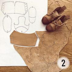 Eu Amo Artesanato: Sapatos e Tênis de Boneca com Moldes Doll Shoe Patterns, Baby Shoes Pattern, Clothing Patterns, Sewing Patterns, Barbie Shoes, Doll Shoes, Barbie Clothes, Crea Cuir, Sewing Dolls