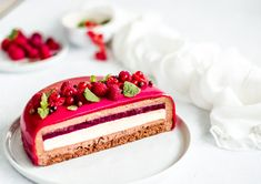 Dacquoise, Mousse Cake, Pavlova, Mini Cakes, Sweet Recipes, Berries, Cheesecake, Food And Drink, Desserts