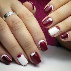 Бордовый дизайн ногтей - маникюр с лунками и обратный френч фото