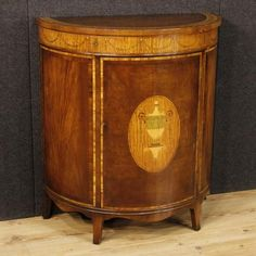 1350€ English inlaid demilune sideboard. Visit our website www.parino.it #antiques #antiquariato #furniture #inlay #antiquities #antiquario #comò #commode #dresser #chest #drawer #golden #gold #decorative #interiordesign #homedecoration #antiqueshop #antiquestore #inlaid #inlay #buffet #sideboard #credenza