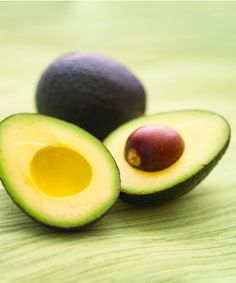 What should you eat when pregnant, and which foods should you avoid? Check out our list of the best foods to eat during pregnancy, including pregnancy superfoods. Pregnancy Nutrition, Pregnancy Health, Pregnancy Foods, Pregnancy Eating, Pregnancy Info, Avocado Seed, Avocado Oil, Ripe Avocado, Avocado Mousse