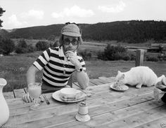 Elton John Young Breakfast with His Kitten Pussy Cat 8x10 RARE Photo | eBay