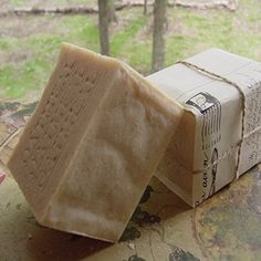 "Gone Wild With Oatmeal Soap ! Make your morning bath or shower memorable by using oatmeal, natural soaps — and health-boosting. ""Oatmeal is my secret to staying sexy and clean,"" Organic Oatmeal Soap with Mango Butter Beer Soap, Coffee Soap, Soap Bar, Unscented Soap, Oatmeal Soap, Decorative Soaps, Organic Soap, Milk Soap, Home Made Soap"