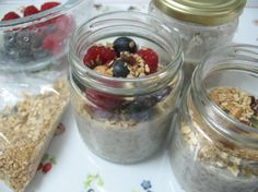 Musse de Aveia e Chia… Breakfast Snacks, Sweet Recipes, Oatmeal, Desserts, Food, Breakfast Ideas, The Oatmeal, Tailgate Desserts, Dessert