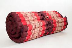 7 Cozy Floor Beds for Small Bedrooms: Thai Massage Mat
