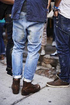 Raddestlooks: The Best Men's Fashion Outfit Collection. Mens Fashion Blog, Best Mens Fashion, Moda Fashion, Denim Fashion, Best Shoes For Men, Men S Shoes, Estilo Denim, Look Man, Mode Jeans