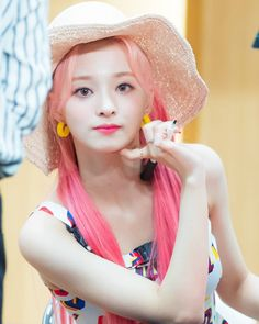 Anyone miss Nakko's long hair? Raise your hand 🙌 . 190609 fromis_9's 3rd Fansign Cr. Mailbox_9, Hoho #이나경 #프로미스나인 #nagyung #nakyung… Glass Shoes, Hair Raising, Drawing For Kids, Girl Group, Cool Girl, Long Hair Styles, Female, Children, Growing Out Hair