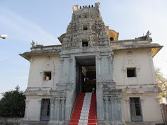 A hilltop temple in Chennai   #IndianColumbus  http://indiancolumbus.blogspot.com/2016/06/kumaran-kundram.html