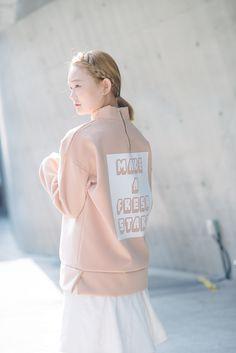20 Inspiring Street Style Looks from Seoul Fashion Week – Vogue #streetstyle #Seoul #SeoulFashionWeek