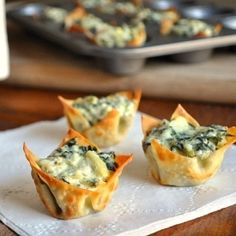 Spinach Artichoke Bites - perfect little appetizer.