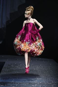 just love this Christian Dior huate couture spring '08
