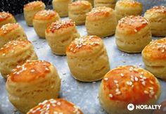 Túrós minipogácsák Pastry Recipes, My Recipes, Cake Recipes, Recipies, Hungarian Desserts, Hungarian Recipes, Hungarian Food, Tapas, Savory Pastry