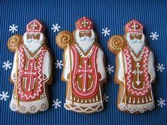 Beautiful Mikulas - Saint Nicholas - from the Czech Republic Old Fashion Christmas Tree, Retro Christmas, Christmas Love, Christmas Baking, Christmas Crafts, Country Christmas, Gingerbread Decorations, Christmas Gingerbread, Gingerbread Cookies