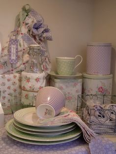 GreenGate Stoneware Spot Green and Julliet Lavender