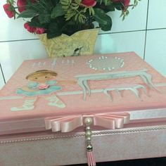 Caixa decorada em scrap decor para meninas