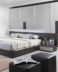 The Modrest Gamma Contemporary Brown Oak Bed with Storage has a multi-purpose design featuring air-lift slats for under-bed storage Queen Size Storage Bed, Under Bed Storage, Headboard With Lights, Oak Beds, Bedroom Cupboards, Bedding Master Bedroom, Glass Shelves, Room Decor, Shelves Lighting