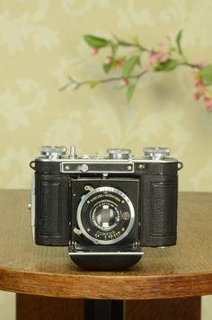 SUPERB! 1935 35mm Certo Dollina folding camera, Freshly Serviced! – Petrakla Classic Cameras