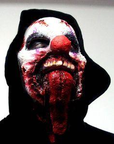 kat von d makeup Scary Clown Costume, Zombie Halloween Costumes, Scary Clown Mask, Halloween Face Makeup, Halloween Stuff, Creepy Makeup, Zombie Makeup, Clown Makeup, Sfx Makeup