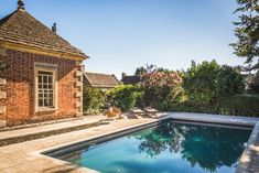 A luxury self-catering country house in Beckington near Frome, Somerset, with heated outdoor swimming pool and magical gardens. Outdoor Swimming Pool, Swimming Pools, English Country Style, Winning The Lottery, Unique Gardens, Outdoor Living, Outdoor Decor, Somerset, Modern Rustic