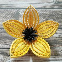 quilling flowers # - Diy How to Crafts Quilling Flower Designs, Paper Quilling Tutorial, Paper Quilling Flowers, Paper Quilling Patterns, Paper Quilling Jewelry, Quilling Paper Craft, Quilling 3d, Quilling Instructions, Quilling Ideas