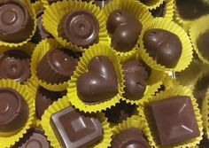 Σοκολατάκια μοναδικά και νηστίσιμα συνταγή από τον/την Areti 🍬 - Cookpad Healthy Snaks, Greek Sweets, Greek Recipes, Nutella, Muffin, Food And Drink, Treats, Vegan, Cookies