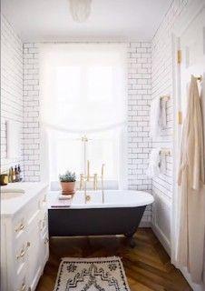 ديكور حمامات صغيرة In 2020 Clawfoot Tub Bathroom Cottage Bathroom Modern Farmhouse Bathroom