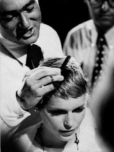 "Vidal Sasson created the pixie cut Mia Farrow made famous in ""Rosemary's Baby."""