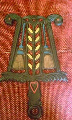 Decorative iorn pot cast vintage