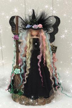 Fairy Crafts, Doll Crafts, Diy Rag Dolls, Primitive Christmas Decorating, Witch Dolls, Felt Angel, Felt Crafts Patterns, Fairy Lanterns, Wiccan Crafts