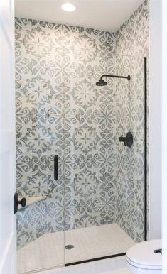 Awesome 90 Insane Rustic Farmhouse Shower Tile Remodel Ideas Source by richardrealtors Bathroom Renos, Bathroom Renovations, Small Bathroom, Master Bathroom, Bathroom Storage, Bathroom Showers, Gold Bathroom, Tiled Bathrooms, Charcoal Bathroom