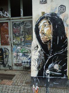 C215 en Berlin Graffiti Art, Street Art Banksy, Best Graffiti, Street Art London, Amazing Street Art, Unusual Art, Pics Art, Street Artists, Urban Art