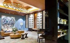 Living Room con Chimenea de mármol Marrón Emperador. Rebeca Cano y Beatriz Peral (RB Interiores) http://casadecor.es/galeria/espacio-schneider/