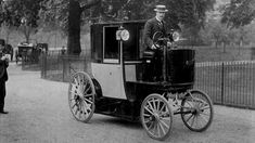 Old Photos, Vintage Photos, On This Date, Black Cab, Taxi Driver, Old London, Glass Coasters, Electric Cars, Heritage Image