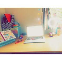 my desk all pretty by millymollymandy94