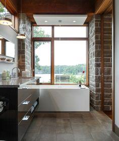 Naturstein freistehende Badewanne Holz Rahmen