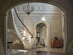 Victorian Gothic interior style: Victorian Gothic style mansion interior