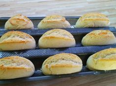 Schnelle Sonntagsbrötchen Fast Sunday rolls from A Thermomix ® recipe from the category Bread & Rolls on www.de, the Thermomix® Community. Fast Food Diet, Fast Foods, Vegetarian Recipes, Cooking Recipes, Bread Recipes, Healthy Recipes, Fast Dinners, Quick Dinner Recipes, Fast Recipes