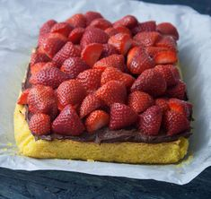 Recipe for Strawberry Cake with mazarinbund Pudding Desserts, Dessert Recipes, Strawberry Cake Recipes, Danish Food, Different Cakes, Sweet Tarts, Fondant Cakes, Marzipan, Cakes And More