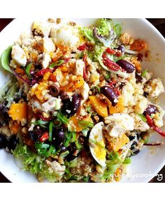 : Quinoa Salad, by Quirky cooking.looks awesome. Also info on quinoa Clean Eating, Healthy Eating, Vegetarian Recipes, Cooking Recipes, Healthy Recipes, Vegetarian Protein, Cooking Tips, Pumpkin Quinoa, Chicken Pumpkin