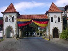 Situada en un Valle llamado El Palmar del Tuy, a unos 60 Km. de Caracas, nos encontramos con uno de los sitios más encantadores de Venezuela,La Colonia Tovar