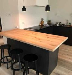 Discover recipes, home ideas, style inspiration and other ideas to try. Ikea Kitchen, Kitchen Island, Modern Kitchen Design, Home Kitchens, Dining Room, Indoor, Interior, Table, House