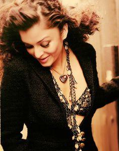 Heavy metal. #Aishwarya #Bollywood