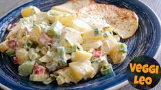 Düsseldorfer Kartoffelsalat - Rezept von Veggi Leo Potato Salad, Potatoes, Ethnic Recipes, Leo, Youtube, Vegetarische Rezepte, Salads, Red Bell Peppers, Grill Party