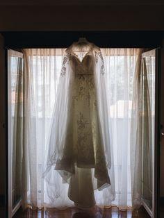 Daniela & Daniel: o lado mais surpreendente, inesperado e genuíno do amor! Curtains, Wedding Dresses, Home Decor, Hair Ideas, Bride Groom Dress, Engagement, Valentines Day Weddings, Amor, Vestidos
