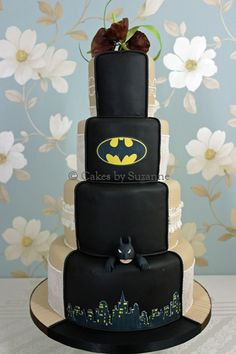 Dual Theme - Cakes by Suzanne - Professional Wedding and Celebration Cakes in Northern Ireland