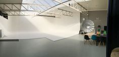 Our daylight photography studio for rent in Holland. Location close to the Hague, Rotterdam.  Including a lot of lightning equipment from Multiblitz. Visit for more info www.fotostudiovk.nl  tags: #fotostudio #limbowand #fotograaf #fotostudio #huren #rondwand #tehuureenfotostudio #DenHaag #thenetherlands #studioforrent #rentalstudio #infinitywall #fashion #photography #editorial #studio