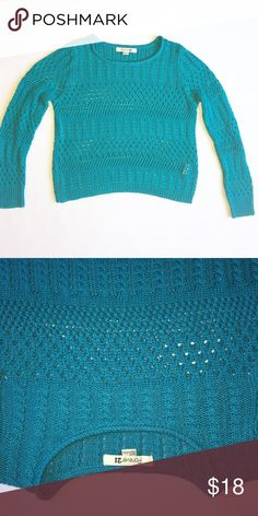Blue knit sweater size Medium Size medium! Excellent condition! Forever 21 Sweaters Crew & Scoop Necks